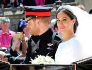 Windsor cheers, waves flags for 'dream' royal wedding