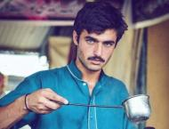 Chai Wala Arshad Khan returns to family business