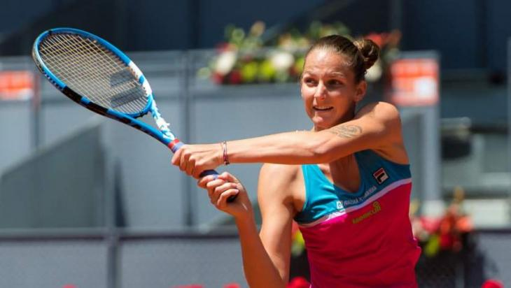 Karolina Pliskova smashes umpire's chair after blown call