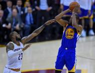 Durant scores 43 to spark Warriors to brink of NBA title
