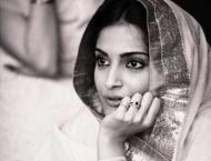 Anand tries downplaying Sonam's breathtaking picture on birthda ..
