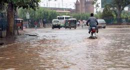 Rain lessens intensity of hot weather in Lahore