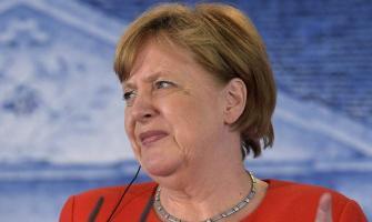Hardline ally in new attack against Angela Merkel over eurozone b ..