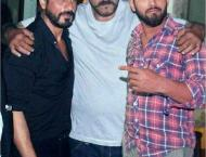 This photoshop guru is posting pictures with Bollywood celebs and ..