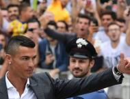 Cristiano Ronaldo greets Juve fans, sparks Champions League dream ..