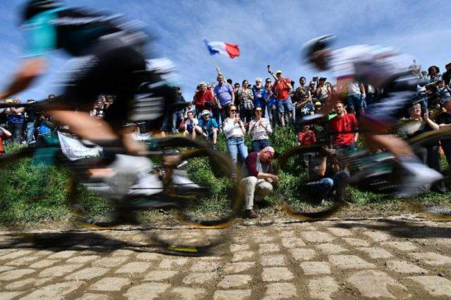 Feared cobbles put Tour on'Super-Sunday map