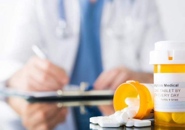 Secretary Healthcare Visits Drug Testing Laboratory - UrduPoint
