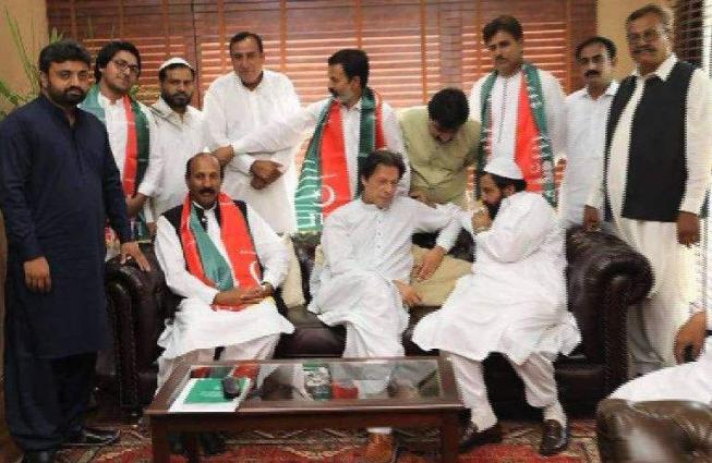 Newly Elect Independent MPA Malik Umer Joins PTI - UrduPoint