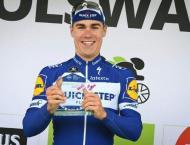 Dutchman Jakobsen wins BinckBank Tour opening stage