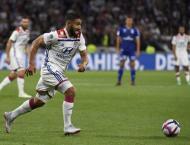Fekir returns as Lyon brush aside Strasbourg