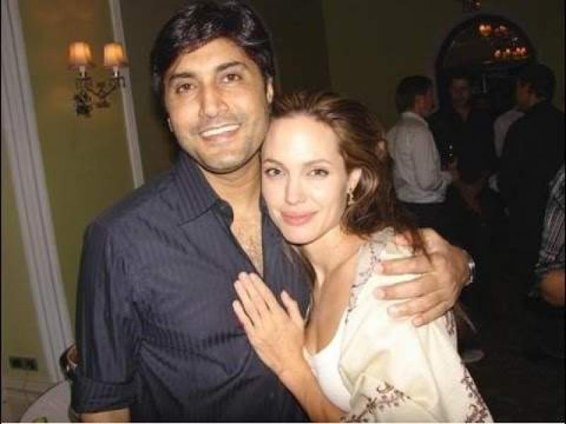Adnan Siddiqui Shares A Throwback Picture With Angelina Jolie - UrduPoint