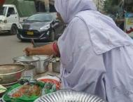 Women running food stall in Karachi to make ends meet