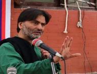 Yasin Malik pays homage to khanabal youth