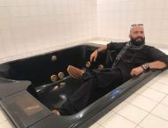 Imaan Mazari trolls Wajahat Saeed Khan over PM House toilet pictu ..