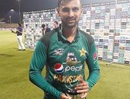 Twitterati lauds Shoaib Malik for taking Pakistan to the win agai ..