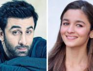 Alia Bhatt wishes boyfriend Ranbir Kapoor on birthday