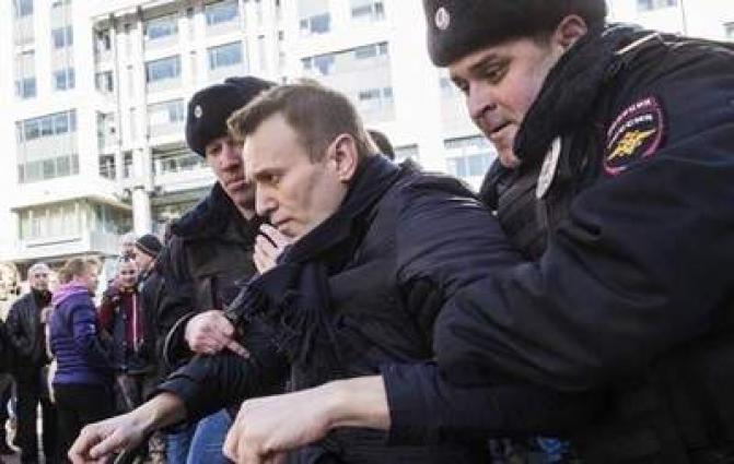 Russian National Guard Head Challenges Opposition Figure Navalny to Fight Over Allegations