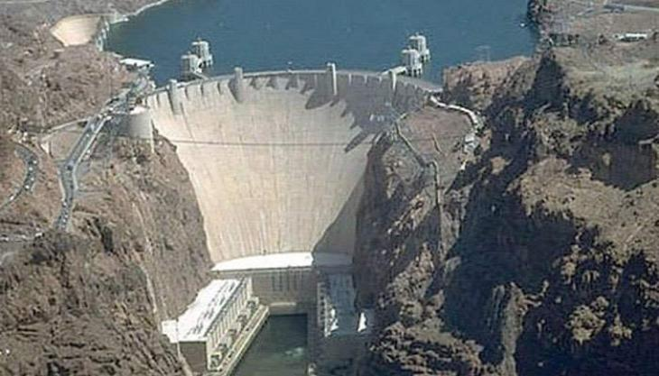 Labourers from Pind Dadan Khan donate Rs 100,000 for dams fund