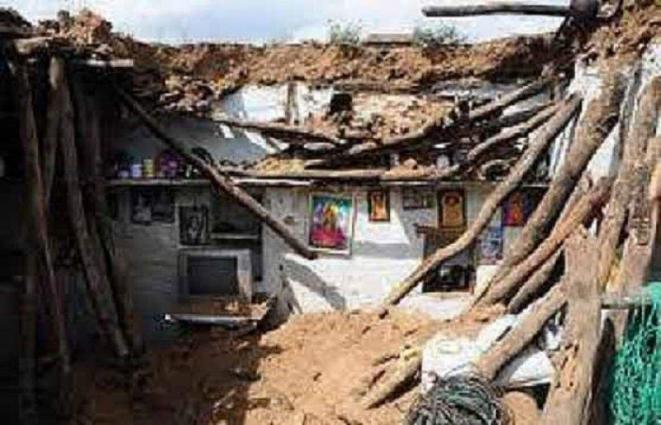 Four killed in roof collapse incidents in Mardan
