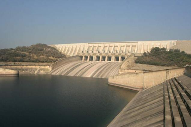 Mehmood Textile Mills employees donate Rs 5m for dams
