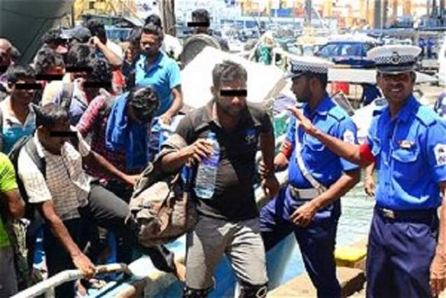Sri Lanka arrests 90 on Reunion-bound trawler