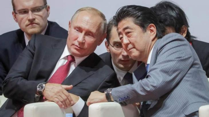 Abe Unlikely to Move on Putin's Treaty Proposal Before Japanese Election - Ex-Ambassador