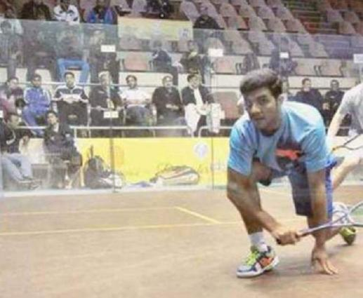 Pakistan's Tayyab moves in Squash semis