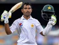 Australia dismiss Shafiq as Pakistan reach 417-5