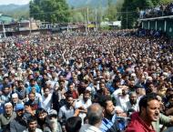 Thousands attend funeral prayers of martyred youth in IOK