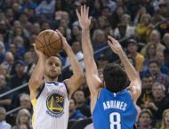 Warriors raise title banner, silence Thunder in NBA opener