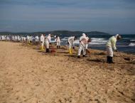 Saint-Tropez cleans up after Mediterranean oil spill