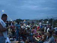 Thousands of Central American migrants stranded on Mexican border ..