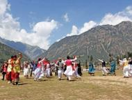 Govt should set up tourism point to attract foreign tourists