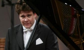 Russian Pianist Matsuev Performs in Paris in Support of Yekaterin ..