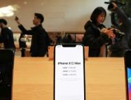 Hundreds line up for release of iPhone XS in S. Korea