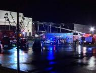 Partial Building Collapse at Baltimore Amazon Complex Leaves 2 Pe ..