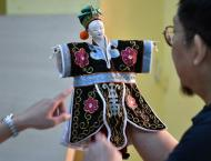 Taiwanese puppet master fights to save dying art
