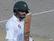 Azhar leads Pakistan's fightback in second Test