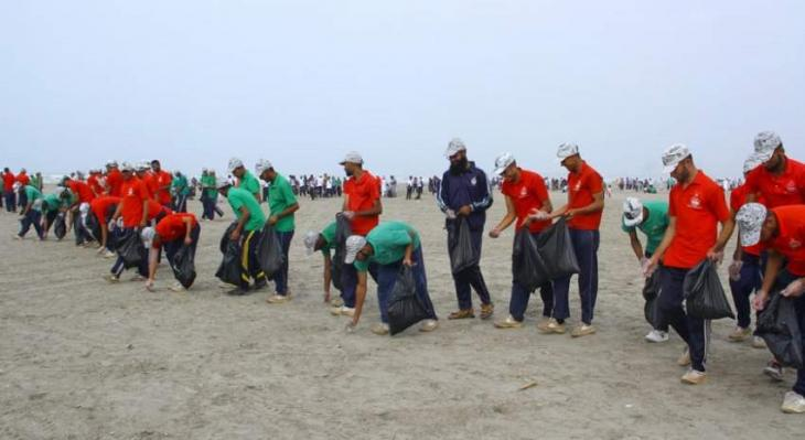 Pakistan Navy launches beach cleaning, tree plantation campaign at Sea View Clifton