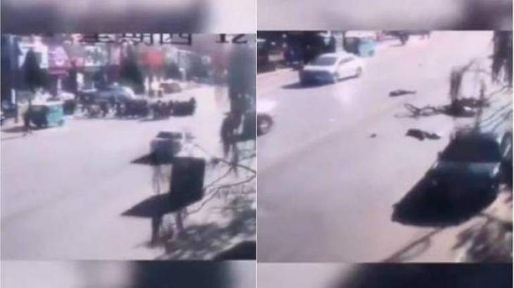 Auto kills 5, injures 18 outside school in China