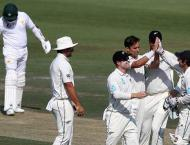 Pakistan 139-3 in reply to New Zealand's 274
