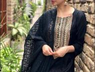Mahira Khan does it again, shuts down troll on 'Ranbir' Kapoo ..
