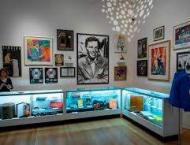 Sinatra auction fetches $9.2m in New York