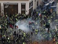French Police Use Tear Gas Against 'Yellow Vests' Protesters on C ..