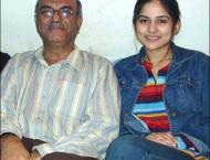 Sanam Baloch seeks prayers for her ailing father
