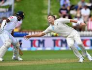 Southee stars as Sri Lanka struggle in New Zealand