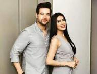 Mehwish Hayat tries to be innovative with Mikaal Zulfiqar! Watch  ..