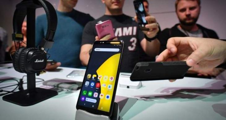 Russian tech giant Yandex unveils first smartphone
