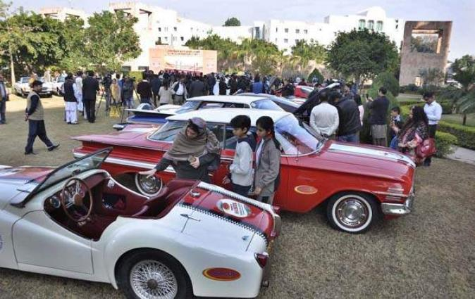 Vintage and Classic cars club arranges old cars show