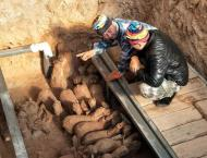 2,000-yr-old tomb sculptures discovered in east China